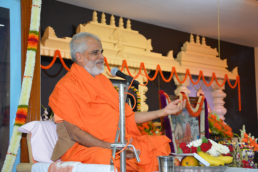 Guru Charitre Swami Brahmananda Satsang